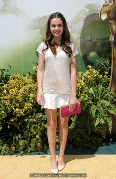 Bailee Madison  'Legends of Oz: Dorothy's Return' premiere - Arrivals http://www.icelebz.com/events/_legends_of_oz_dorothy_s_return_premiere_-_arrivals/photo6.html