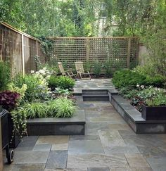 20 Chic Small Courtyard Garden Design Ideas For You Gorgeous 20 Chic Small Courtyard Garden Design Ideas For You. The post 20 Chic Small Courtyard Garden Design Ideas For You appeared first on Garden Ideas. Small Garden Fence, Slate Garden, Small Garden Design, Garden Fencing, Easy Garden, Garden Modern, Sloping Garden, Small Back Garden Ideas, Small City Garden