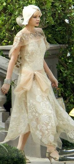Gatsby Fashion The Great Gatsby by Baz Luhrmann with Carey Mulligan as Daisy Buchanan. Costume design: Catherine MartinThe Great Gatsby by Baz Luhrmann with Carey Mulligan as Daisy Buchanan. Moda Vintage, Moda Retro, Vintage Mode, Vintage Style, Look Gatsby, Gatsby Movie, Gatsby Style, 1920 Style, Vintage Outfits