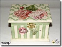 love the skinny stripe in larger stripes Decoupage Glass, Decoupage Box, Decoupage Vintage, Painted Boxes, Wooden Boxes, Dyi Decorations, Decoupage Tutorial, Paper Crafts, Diy Crafts