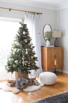 Ginny Macdonald Holiday Home - shop the holiday look with Lulu and Georgia! #LANDGATHOME