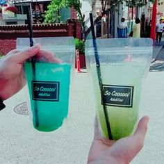 """Fresh-squeezed Lemonade (봉지 레몬에이드) 