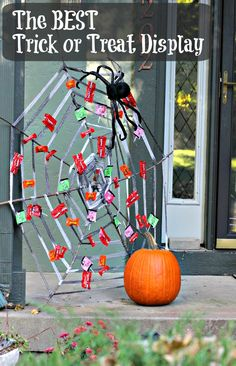 DIY Spider Web -- an awesome way to hand out the candy on Halloween!