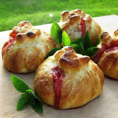 Peach & Strawberry pastry bundles