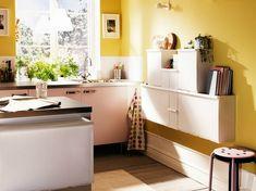 pared de color amarillo en la cocina pequea