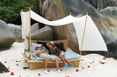 DAYDREAM from DEDON. DAYDREAM is what its owners make of it, remains true – a romantic canopy daybed, an oversized chaise lounge or a unique seating ensemble.