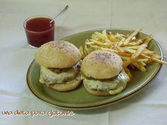 Hamburguesa de carne al vapor, con sus panecillos caseros e incluso una salsa ketchup casera. ¡Esto NO es comida basura! :D