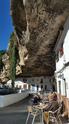 SPAIN / ANDALUSIA / Places, towns and villages of Andalusia - Setenil de las Bodegas CADIZ