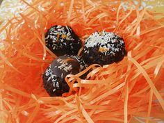 Moelleuse, fondante, chocolatée, parfumée… la galette Coco»hot» a un goût de noix de coco, mélangé à la fraîcheur de l'orange et la subtilité de l'amande. Alléchante? Enivrante? Je n'ai pas terminé! Une mignardise sans sucre raffiné, sans gras ajouté, sans blé et sans gluten qui vraiment, on va se dire les vraies affaires : est...