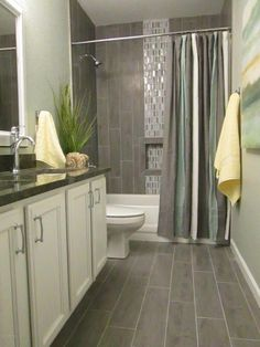 Contemporary Full Bathroom with Square Raised Panel - Solid (KGM) Cabinet Door by Kraftmaid, Undermount Sink, Simple Granite