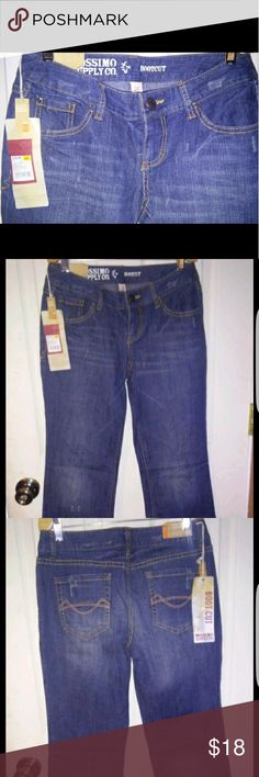 Nwt size 5r boot cut jeans Nwt size 5r fit 6 mossimo jeans.  Boot cut Mossimo Supply Co Jeans Boot Cut