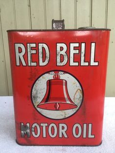 RED-BELL-2-GALLON-MOTOR-OIL-CAN-MOUNT-JOY-PA-NICE-NO-RES
