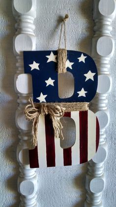 Mandy is making these – any letter you need. :) Made to Order Primitive American Flag Monogram for by MandyBrenly / Dekokin Americana Crafts, Patriotic Crafts, July Crafts, Primitive Crafts, Holiday Crafts, Crafts To Make, Arts And Crafts, 4th Of July Decorations, Craft Night
