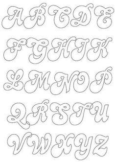 Sierlijk alfabet Maak je eigen naamslinger uit vilt aan de hand van deze letters. Kijk voor vilt eens op http://www.bijviltenzo.nl:
