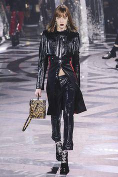 Louis Vuitton Fall RTW 2016 http://thecut.io/22oQI36