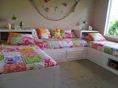 5 Wonderful Ideas of Triple Bunk Beds for Your Kids' Bedroom – Interior Design Kids Bedroom Furniture, Bedroom Decor, Furniture Design, Modern Furniture, Triple Bunk Beds, Triple Bed, Double Beds, Shared Bedrooms, Shared Girls Rooms