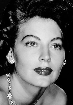 Ava Gardner, 1952 viaanantoinetteaffair