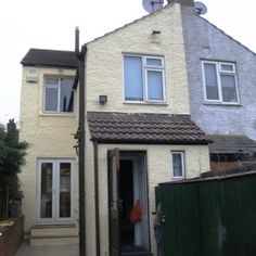 Case study of a 3 bed Brighton Pebbledashed house painted with a wall coating. #brighton #sussex