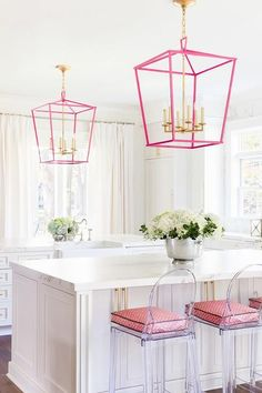 Pink accents in the kitchen. Laura Burleson Interiors - White and gold kitchen features white cabinets paired with Silestone quartz countertops and backsplash that resemble white marble. Küchen Design, Home Design, Design Ideas, Happy Design, Pink Design, Pretty In Pink, Home Interior, Interior Design, Kitchen Interior