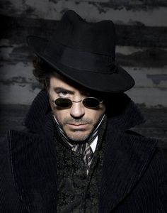 Robert Downey jr as Sherlock Holmes. I love that fedora and the whole style in general. Film Scene, Film D'animation, I Movie, Movie Stars, Iron Man, Costume Steampunk, Robert Downey Jr., Sherlock Holmes Robert Downey, Sherlock 3