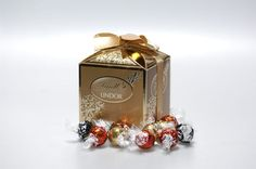 Lindt Lindor Chocolate Truffles Lindt Lindor, Chocolate Truffles, Chocolates, Perfume Bottles, Passion, My Favorite Things, My Love, How To Make, Products