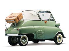 seakumquats:  wruummm:  1956 BMW Isetta 'Bubble Window'...