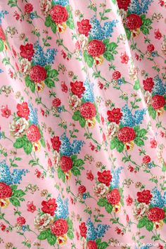 Vintage Home - Floral Chintz Eiderdown Fabric: www.vintage-home.co.uk