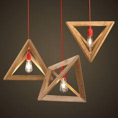 suspension bois IKEA en formes géométriques avec ampoules vintage et câbles rouges