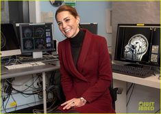 Kate Middleton Visits Neuroscience Lab at University College in London: Photo Catherine, Duchess Of Cambridge (aka Kate Middleton) is looking chic while paying a visit to UCL Developmental Neuroscience Lab at University College London on Wednesday… Kate Middleton College, Andrew College, British Monarchy History, University College London, Queen Kate, Neuroscience, British Royals, Duchess Of Cambridge, The Secret