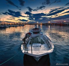 "Amanecer en el Puerto de Garrucha, Almeria, Spain - fishing boat in port of Garrucha, Almeria, Spain <a href=""http://dleiva.com/"">dleiva.com/</a>"