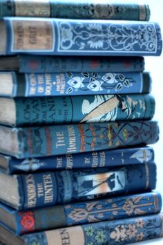 At Pretty Page Turner our favorite cover models are books. We can't get enough beautiful book photography of old books and their vintage bookshelf. Ravenclaw, Wallpaper Tumblrs, Books Decor, Wallpaper Harry Potter, Everything Is Blue, Blue Books, Book Aesthetic, Turquoise, I Love Books