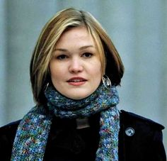 Love the hair/color from Jason Bourne movie (Julia Stiles)