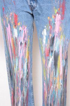 Custom Painted Vintage Levi's Boyfriend Jeans, Nineties Artist Grunge Look Grunge Look, Grunge Style, Painted Jeans, Painted Clothes, Ripped Jeggings, Ripped Skinny Jeans, Vintage Levis, Boyfriend Jeans, Mom Jeans