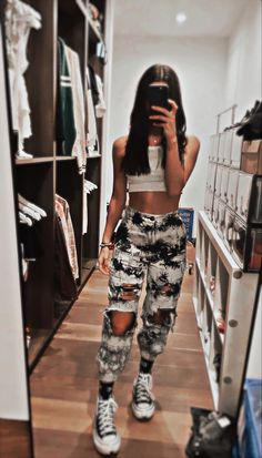 Teen Fashion Outfits, Outfits For Teens, Trendy Outfits, Cute Comfy Outfits, Cool Outfits, Famous Girls, Beautiful Girl Image, Aesthetic Clothes, Cute Dresses