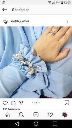 Pin by Busra on moda in 2020 Kurti Sleeves Design, Sleeves Designs For Dresses, Kurti Neck Designs, Dress Neck Designs, Blouse Designs, Kurti Embroidery Design, Couture Embroidery, Embroidery Fashion, Iranian Women Fashion