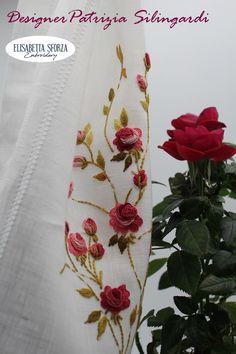 Elisabetta ricami a mano: Patrizia & me... Per prima cosa ci ho fatto una tenda Needle And Thread, Hand Embroidery, Cross Stitch, Sewing, Truck, Punto De Cruz, Dressmaking, Couture, Seed Stitch