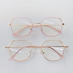 Glasses Frames Trendy, Fake Glasses, Glasses Trends, Lunette Style, Accesorios Casual, Tattoo Und Piercing, Fashion Eye Glasses, Cute Sunglasses, Sunglass Frames