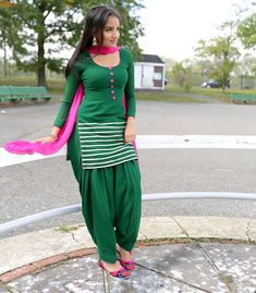 Desi Girl in Green Patiala Salwar Kameez and Pink Dupatta Patiala Suit Designs, Patiala Salwar Suits, Salwar Suits Party Wear, Churidar, Kurti, Designer Punjabi Suits, Indian Designer Wear, Punjabi Fashion, Indian Fashion