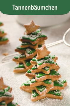 Tannenbäumchen Christmas is the best time of the year! As soon as it gets cold outside, we look forward to delicious Christmas recipes! Easy Smoothie Recipes, Snack Recipes, Easy Vegetarian Dinner, Diy Snacks, Pumpkin Spice Cupcakes, Christmas Baking, Christmas Recipes, Diy Food, Cupcake Recipes