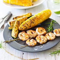 Cooking Lessons: Grilled shrimp on rosemary skewers recipe: easy summer grilling World Recipes, Chef Recipes, Healthy Recipes, Recipies, Healthy Meals, Healthy Life, Healthy Food, Skewer Recipes, Shrimp Recipes