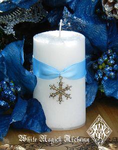 Diamond Snowflake . 2x3 Holiday Pillar by WhiteMagickAlchemy <3