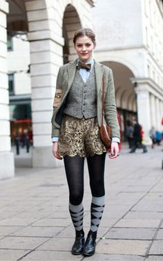 Amber Anderson was Style Hunter?s next top spot at Rugby Ralph Lauren?s Tweed Run in Londontown. We just adored her cheeky take on a traditionally . . .