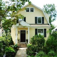 House colors exterior colonial curb appeal 52 New Ideas Yellow House Exterior, Exterior Paint Colors For House, Paint Colors For Home, Exterior Colors, Dutch Colonial Exterior, Exterior House Colors Combinations, Scary Houses, Pintura Exterior, Organization Ideas