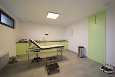 Toutes les photos d'aménagement de ce cabinet médical sur http://www.booa.fr/#!reportage-loges-vip/c23j4  (crédit photo nis&for pour booa)