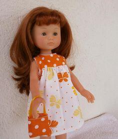 Robe papillons, empiècement orange, pour poupée Chérie. MCL Poupées