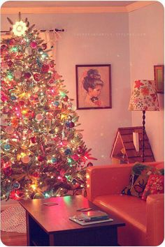 Vintage Christmas. I'd love to do a tree like this if I had more vintage…