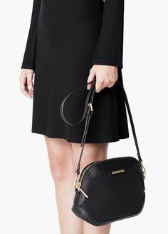 Cross-body pebbled bag £20