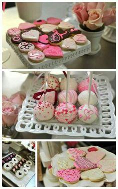 Valentines Day Deserts, Valentine Cookies, Valentines Day Party, Holiday Desserts, Holiday Treats, Heart Healthy Desserts, Food Crafts, Cupcake Cakes, Sweet Treats