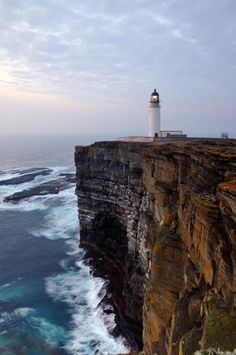 Noup Head Lighthouse - Westray - Scotland (von iancowe)