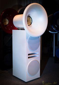 Hornlautsprecher - Oris 250 Horn Speakers, Best Speakers, Diy Speakers, Techno, At Home Movie Theater, Speaker Design, Hifi Audio, Loudspeaker, Audiophile